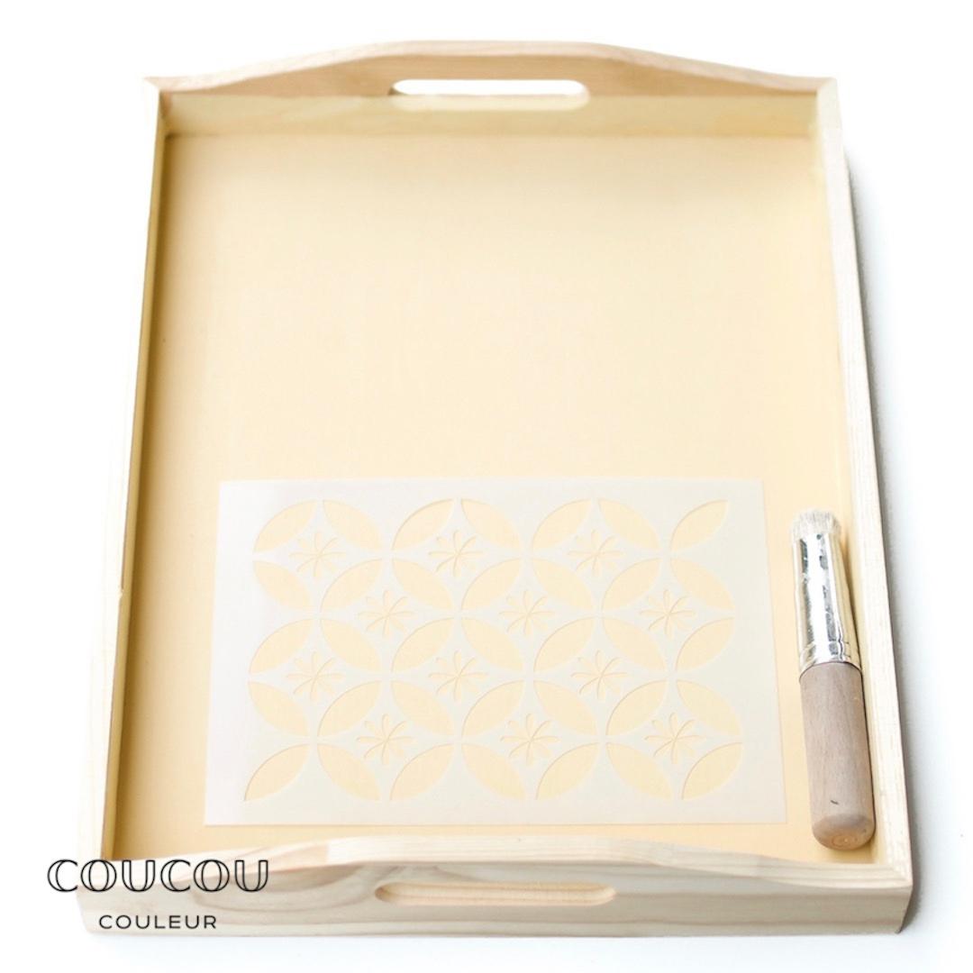 DIY-Tablett-schablonieren-mit-Kreidefarbe-Coucou-CouleurTHsbJVPx9dcqo